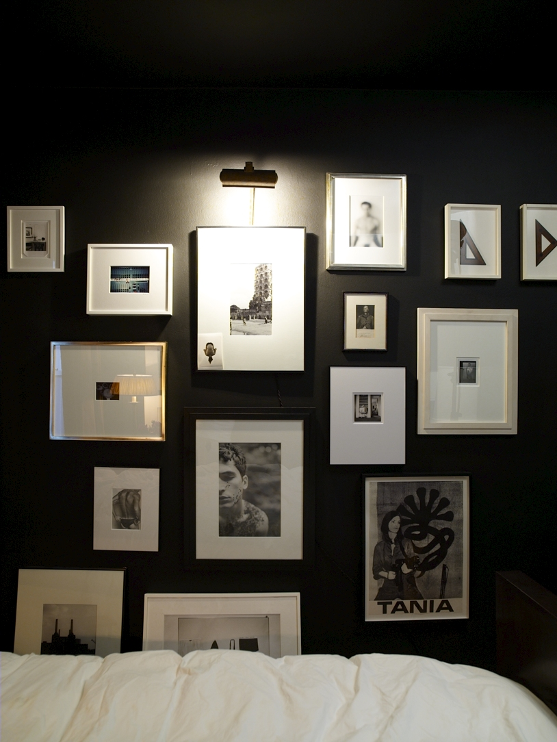 How to arrange picture frames on a wall, wall of]